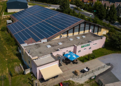Photovoltaikanlage auf der Tennishalle Birkfeld
